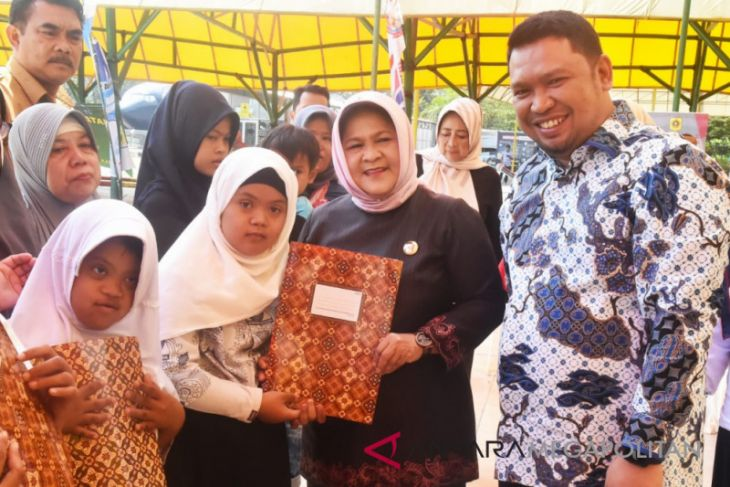 Bupati Bogor: Ortu luangkan waktu 20 menit
