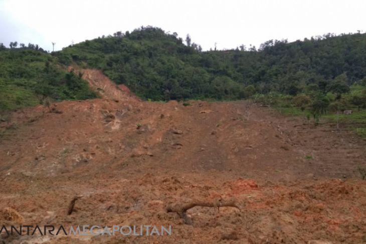Korban longsor di Cimapag masih enggan bertani