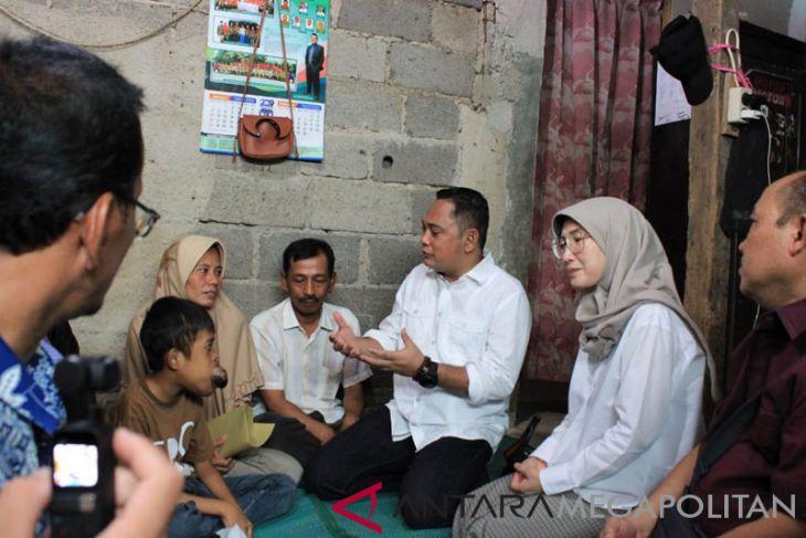 Plt. Bupati Bekasi kunjungi bocah penderita tumor lidah