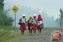 Warga Keluhkan Nasib Pendidikan Anak Di Dudepo