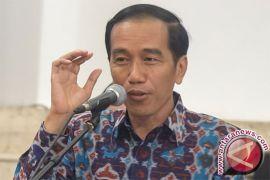 Jokowi ajak wartawan makan, tapi jangan tanya