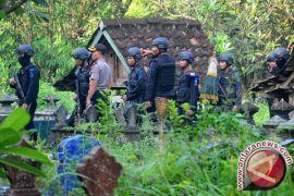 Densus 88 Menangkap Terduga Teroris Kelompok Jaringan JAD