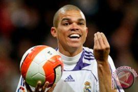 Pepe Sumbang Gol Pada Penampilan Ke-100 Untuk Portugal