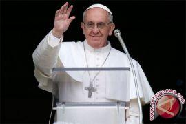Paus Kritik Kebijakan Trump Pisahkan Keluarga Imigran