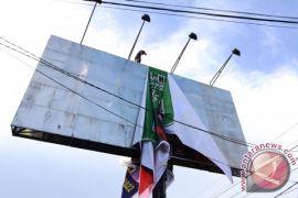 Bawaslu Gorontalo Akan Turunkan APK Calon Tengah Malam