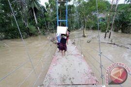 BPBD Evakuasi Warga Terdampak Banjir Bone Bolango