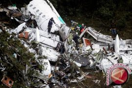 Pesawat kesebelasan Brasil jatuh karena kehabisan bahan bakar