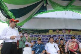 Mentan Bantu Alsintan Ke Petani Di Gorontalo