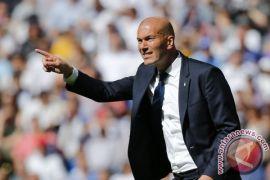 Zidane dan Enrique silang pendapat soal El Clasico