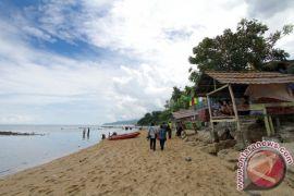 Objek Wisata Pantai Di Bone Bolango Jadi Alternatif Libur Natal