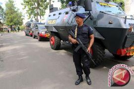 Ratusan Personil Gabungan Berjaga di KPU dan Panwaslu Koto Gorontalo