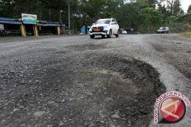 Pemkab Tingkatkan Infrastruktur Jalan Sepanjang 51 Km