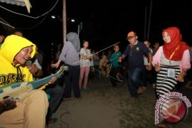 Peserta SMN Kalbar Belajar Tarian Dana-dana Gorontalo