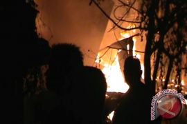 OPD Pemkab Gorontalo Bantu Korban Kebakaran Limboto