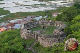 Objek Wisata Benteng Otanaha Ramai Pengunjung