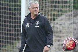 Jelang hadapi Young Boys, Mourinho mau United seperti Federer