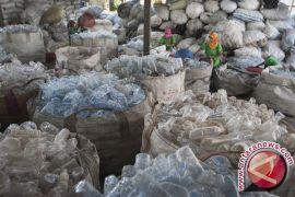 300 Petugas Singkirkan Sampah Pasar Senggol