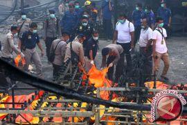 Polisi kembali ke TKP kebakaran gudang petasan, cari Ega