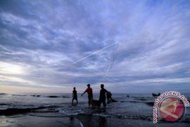 BMKG Ingatkan Gelombang Tinggi Perairan Sulawesi