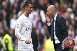 Zidane: Ronaldo Pemain Terbaik Yang Pernah Ada
