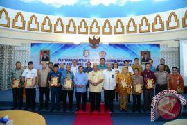 Gubernur Gorontalo Serahkan Dipa 2018 Kabupaten/kota