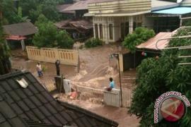 Hujan deras, Tuminting Manado banjir