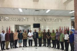 Gubernur Gorontalo Gandeng President University Tingkatkan SDM