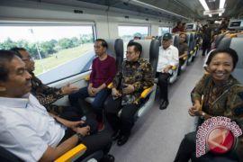 Rini: KA Bandara Karya Anak Bangsa Hasil Sinergi BUMN