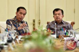 Presiden, Wapres Bahas Ekonomi dan Asian Games saat Makan Siang