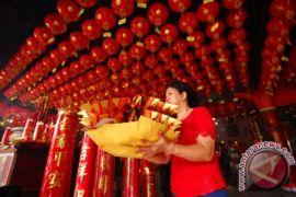 Sambut Imlek Etnis Tionghoa Manado Jalani Prosesi sembahyang