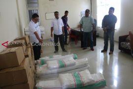 KPU Gorontalo Utara Serahkan Ribuan Alat Peraga Kampanye