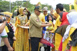 Ribuan Warga Gorontalo Terima Bantuan Kemensos