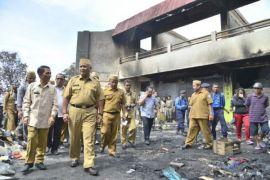 Pemprov Gorontalo Serahkan Bantuan Untuk Korban Kebakaran