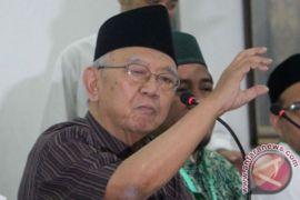 Gus Sholah: Jokowi Harus Gandeng Tokoh Islam