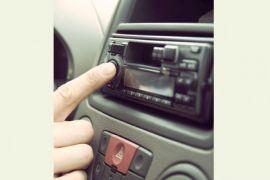 Peneliti: Mendengarkan Musik di mobil Bisa Ganggu Konsentrasi