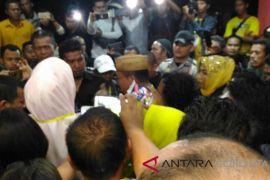 Thomas Mopili Memilih Turun Dari Panggung Debat Cabup Gorontalo Utara