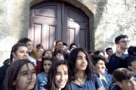 Anak-Anak Turki Teriakkan Nama Anies