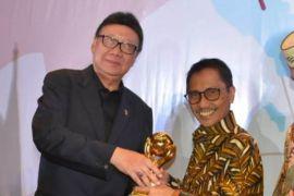Pemerintah Kabupaten Gorontalo Raih JKN Award
