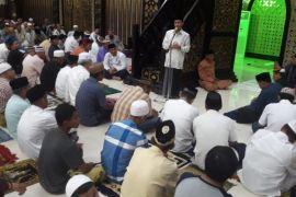 Bupati Gorontalo Berhalalbihalal Bersama Masyarakat