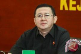 Kejagung tahan eks direktur keuangan Pertamina