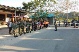 TNI AL-BPBD Gorontalo Bawa Beras Ke Sulteng