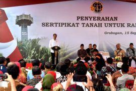 Presiden Jokowi Janjikan 100.000 Lahan Di Grobogan Bersertifikat