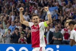 Hasil Dan Klasemen Grup E, Ajax Dan Bayern Muenchen Melaju Mulus