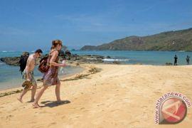 Pelemahan Rupiah Jadi Peluang Tarik Lebih Banyak Wisatawan Asing