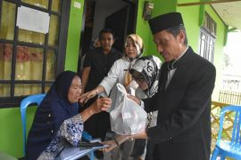 Pemkab Gorontalo Salurkan Bantuan Usaha Ekonomi Produktif