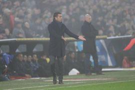 Van Bronckhorst Tak Bisa Jelaskan Alasan Kekalahan Feyenoord