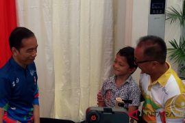 Bocah Difabel Adul Sampaikan Keinginannya Ke Presiden Jokowi