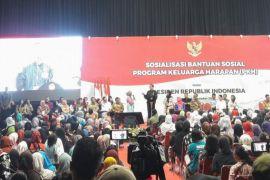 Jokowi Akan Naikkan Jumlah Penerima Dan Besaran Bantuan PKH Tahun Depan