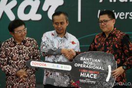 Toyota Serahkan Bantuan Program Konservasi Di Gorontalo