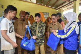 Bupati Gorontalo Serahkan Bantuan Korban Banjir